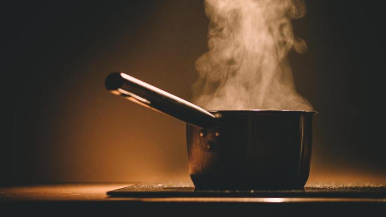 液体水潜热吸热后变为气态水