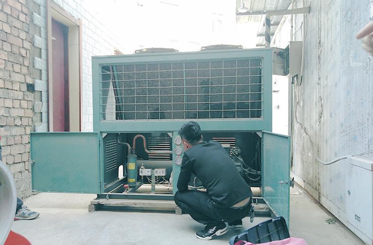 制冷机组检修工作